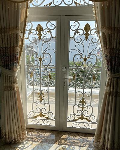 cửa sổ mỹ thuật
